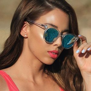 QUAY LIKE WOW - clear mirrored sunglasses